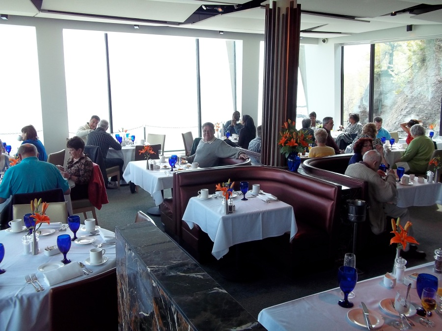 PIER W AT WINTON PLACE - SUNDAY BRUNCH