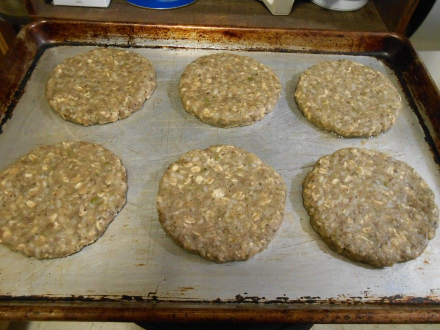 ORIGINAL ANIMAL-FREE BURGER PATTIES ON PAN