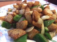 FRIED POTATOES ONION GREEN PEPPER CHINA CAFE - Edited