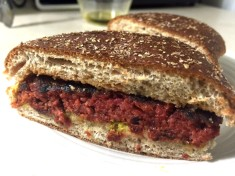 BLOOD RED SAUSAGE ON BUN