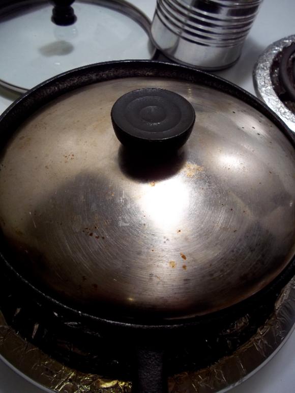PAN-ROASTED GARLIC 1