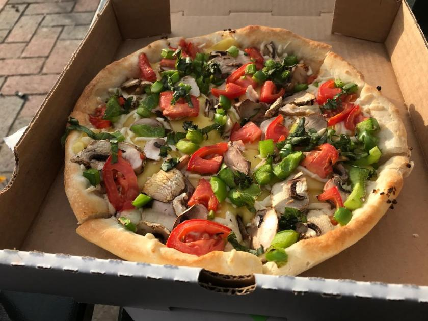 ORIGINAL CRUST VEG PIZZA WITH PLANT-BASED CHEESE photo by THE ANIMAL-FREE CHEF